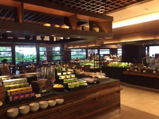 breakfast buffet at spice market cafe picture of shangri. Black Bedroom Furniture Sets. Home Design Ideas