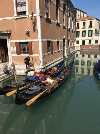 Walks Inside Italy-Private & Day Tours : The real Venice- canals, waterways & foot bridges