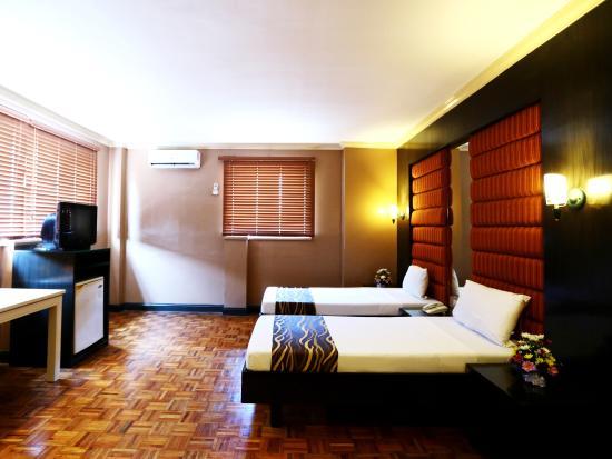 ホテル ラ コロナ デ リパ