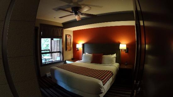 Evolution: Bedroom suite 307
