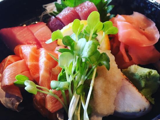 Tomodachi Sushi Bistro Picture
