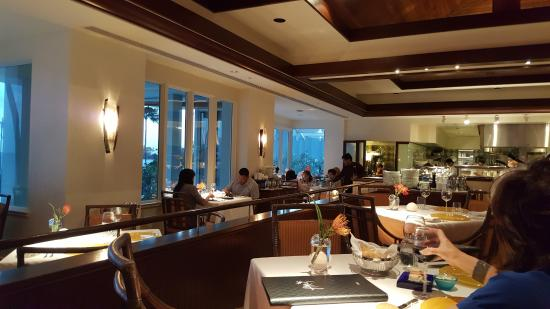 Hoku's: Another view from our table but to the other side!