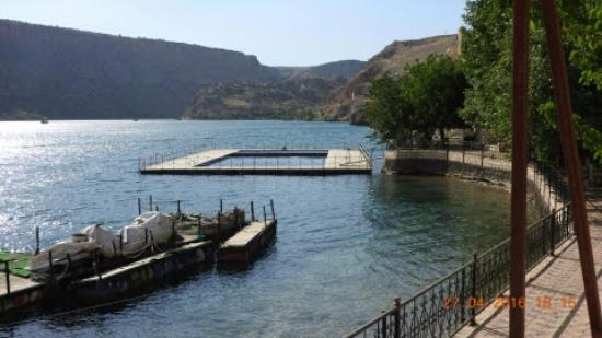 Eski halfeti , Urfa belediyesini yaptığı yüzme havuzu