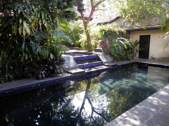 The Havelock Place Bungalow: Courtyard spa and pool