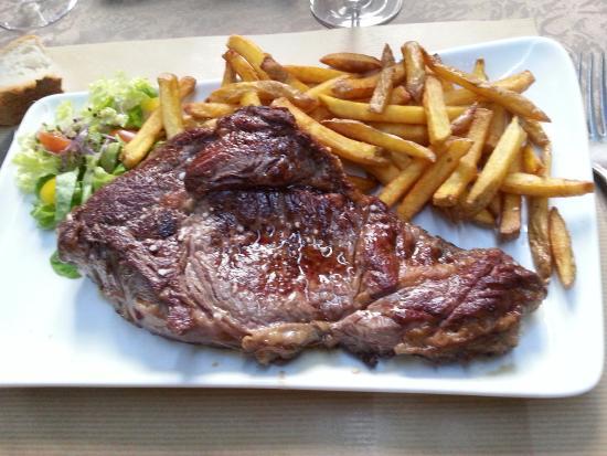 Campsegret, فرنسا: Entrecôte et frites maison !