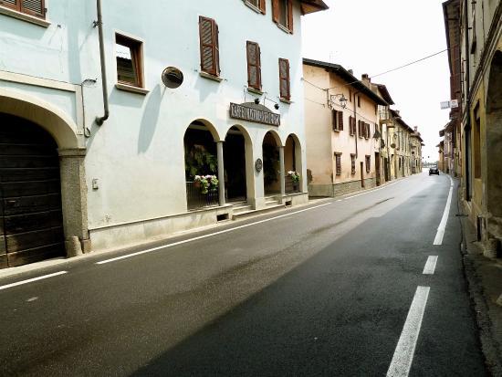 Sizzano, Italy: Esterno