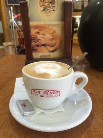 Restaurante la ruta de kaldi en fuengirola con cocina - Cocinas fuengirola ...