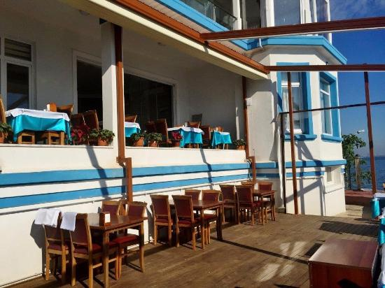 Pyrgos Hotel & Restaurant