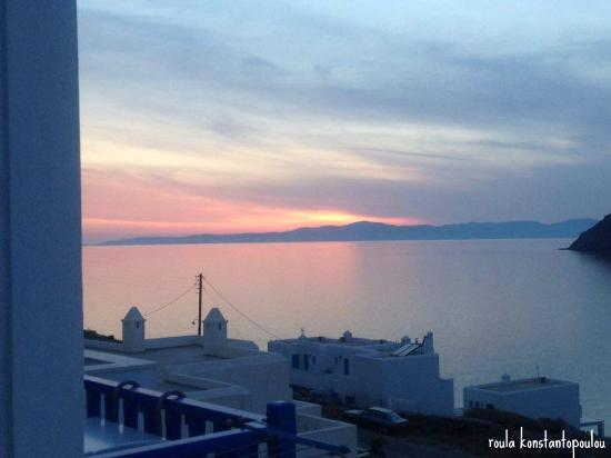 Pelagos Hotel: Ηλιοβασίλεμα με θέα από το μπαλκόνι μου