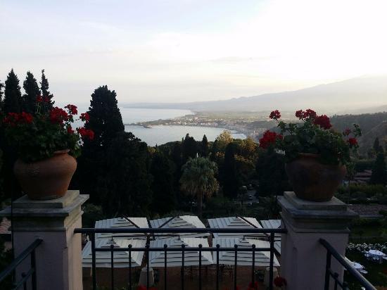 Vista dalla terrazza - Foto di Belmond Grand Hotel Timeo, Taormina ...