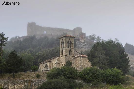 Iglesia de Santa Cecilia y castillo - Aguilar de Campoó - (Agosto ...
