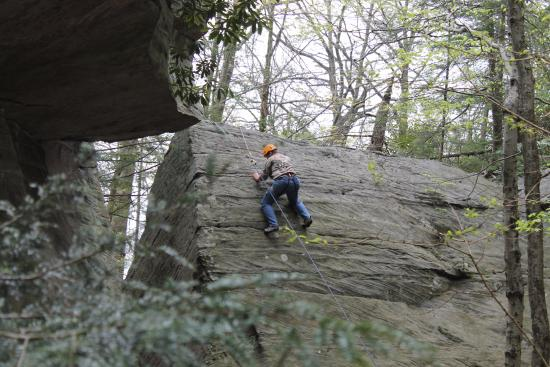 Bruceton Mills, Virginia Barat: Slab Climbing... Keep your body away from the Rock and your heels down!
