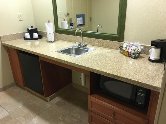 Hampton Inn & Suites Fort Worth-West/I-30: Area in the room