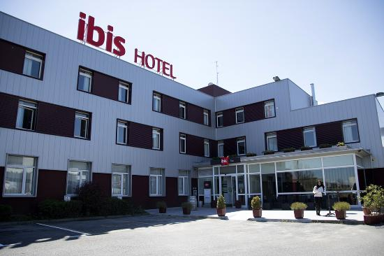 Ibis Irun: 001