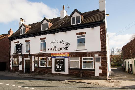 Riccall, UK: The Greyhound