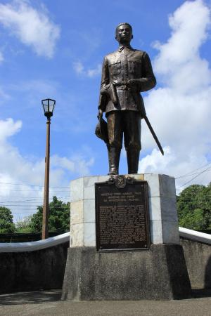 General Ignacio Paua Monument