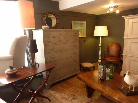 Shop interior. - Picture of Simon Jackson Antiques & Interiors, Bath ...