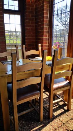 Hassocks, UK: Typical dining table.