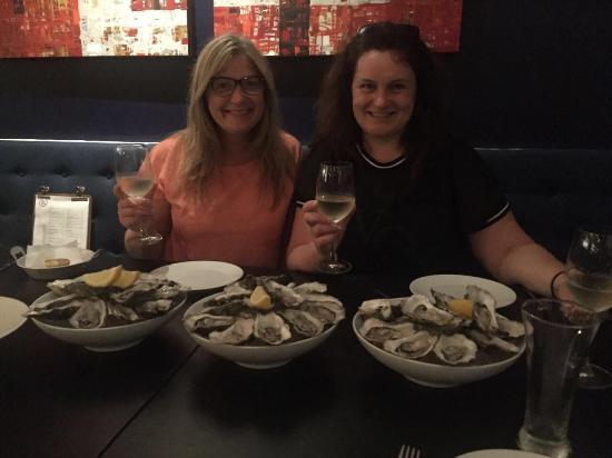 Bampot Kitchen & Bar: Прекрасный европейский ресторан, качество еды и атмосфера тар-тар бара в спб)) устрицы по пятниц