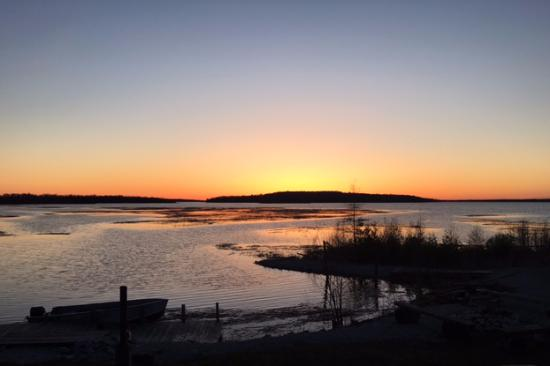 Drummond Island, MI: Amazing sunset views from our cabin every night!