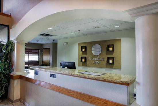 Comfort Inn Cedar Park: Front Desk