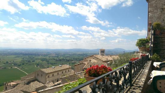 IMAG0346_large.jpg - Picture of Le Terrazze di Properzio, Assisi ...