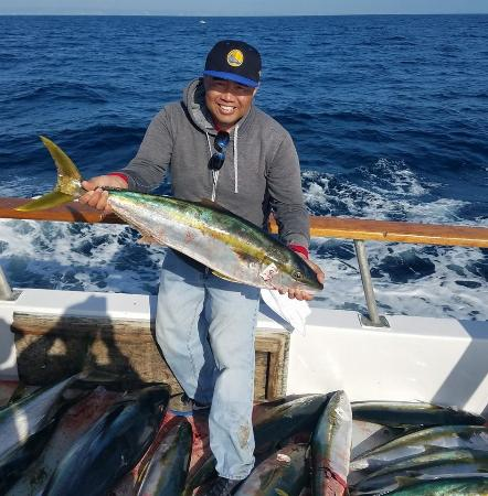 Yellow Tail Caught On 5 3 On The Malihini Picture Of H
