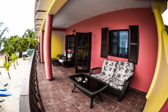 Paradise Vacation Hotel: the deck of one of the upstairs rooms