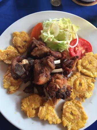 Griot Fried Pork And Bananes Pesees I Had To Take A Bite Before