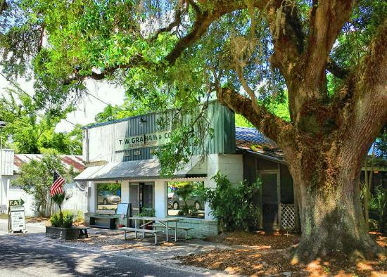 T.W. Graham & Company Seafood Restaurant: Low Country
