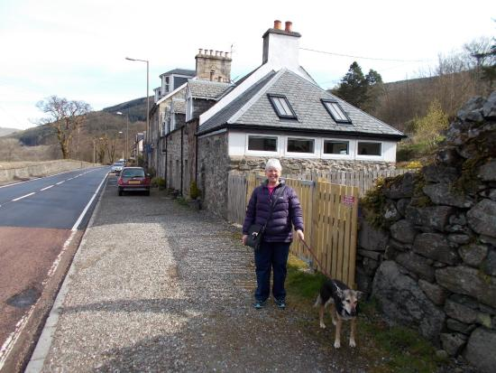 Strathyre, UK: Front of the Cottage
