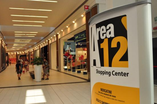 Area 12 Shopping Center