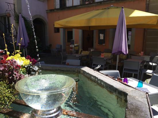 Le Café Noble : La fontaine