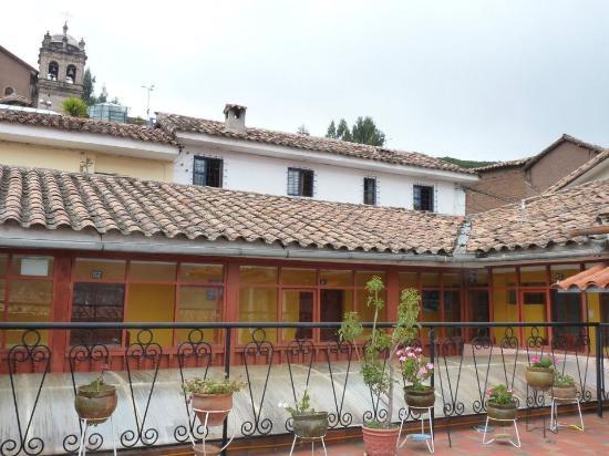 Hostal Resbalosa: habitaciones mas terraza