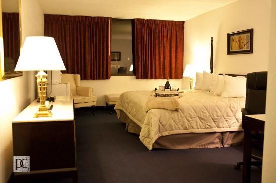 South Beloit, IL: Traditional King Room
