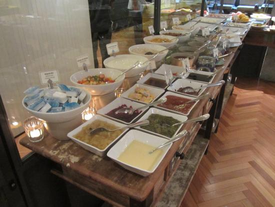 Ipanema Inn: buffet salse e marmellate