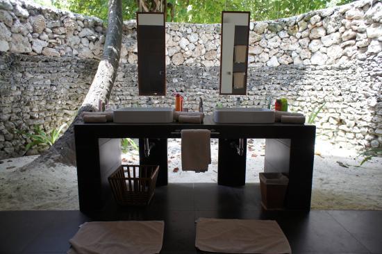 VOI Dhiggiri Resort: Bagno Maldiviano