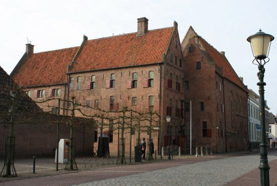 Elburg, Nederland: The museum... a beautiful medieval building.