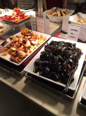 Bovisio Masciago, Italië: buffet