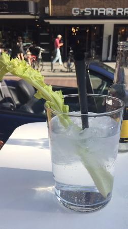 Gin tonics bij Thoms