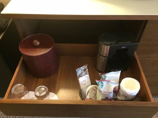 Coast Edmonton Plaza Hotel by APA: Complimentary coffee/tea from Starbucks