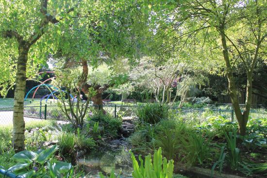 Le jardin de rocaille photo de jardin des plantes caen tripadvisor - Le jardin des plantes caen ...