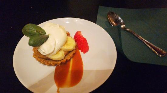 The Temple Pub : Il tortino caramello, banane e panna