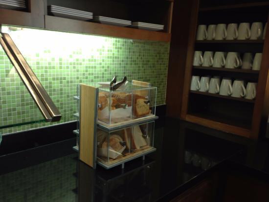 Englewood, CO: Breakfast, breads, bagels,etc.