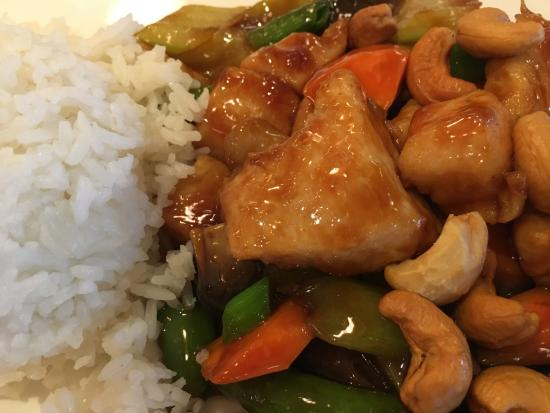 Great Neck, NY: Fresh and delicious, chicken with cashews,