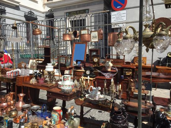 Flea market el rasto picture of el rastro madrid - Cascorro madrid rastro ...