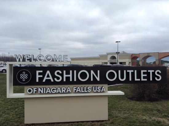 Fashion outlet niagara usa 53