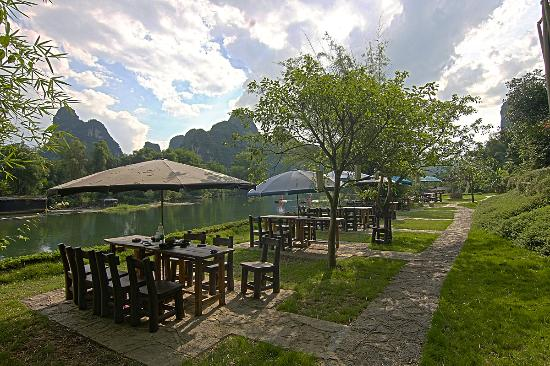 Riverside dining - Yangshuo Mountain Retreat