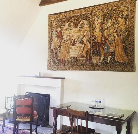 Wedmore Place: Tapestry n fireplace in room