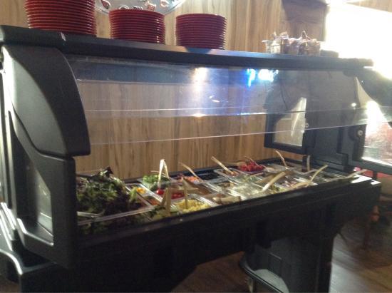 Iola, KS: New Salad Bar